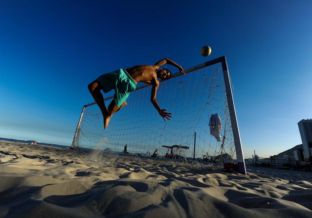 Praia Copacabana Clima Sextafeira Defesa by mauropimentel
