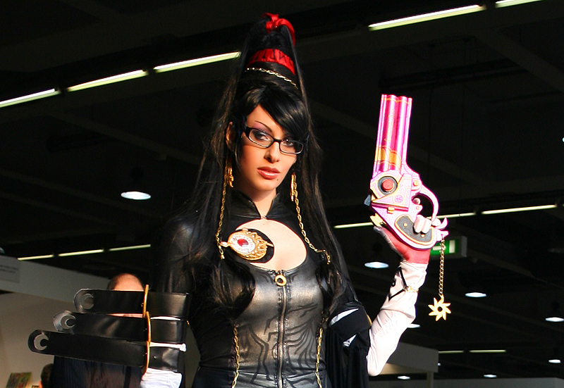 Bayonetta at Cartoomics 2012 -05 by Daelyth