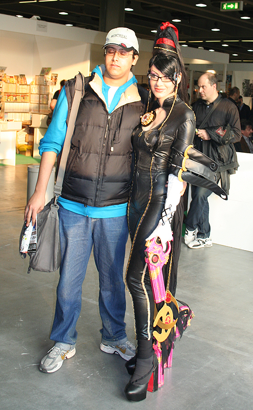 Bayonetta at Cartoomics 2012 -06 by Daelyth