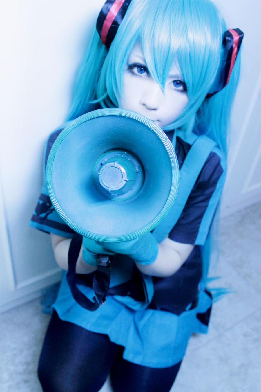 Hatsune miku love is war cosplay