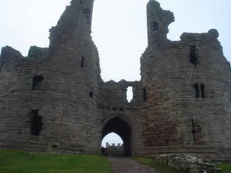Dunstanburgh Castle by twiggy101