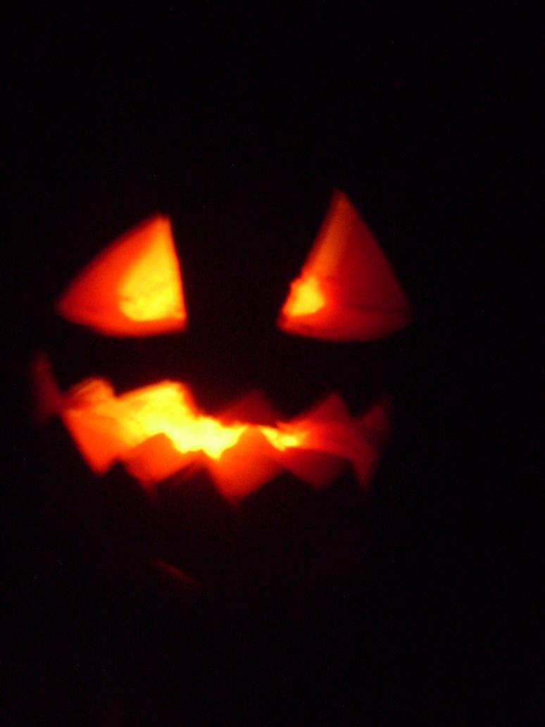 Halloween pumpkin by HeinousFlame