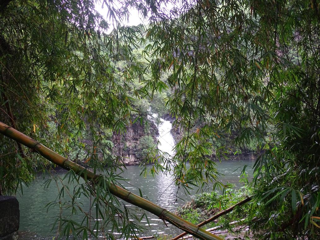 Cormoran' waterfall by Chabilie