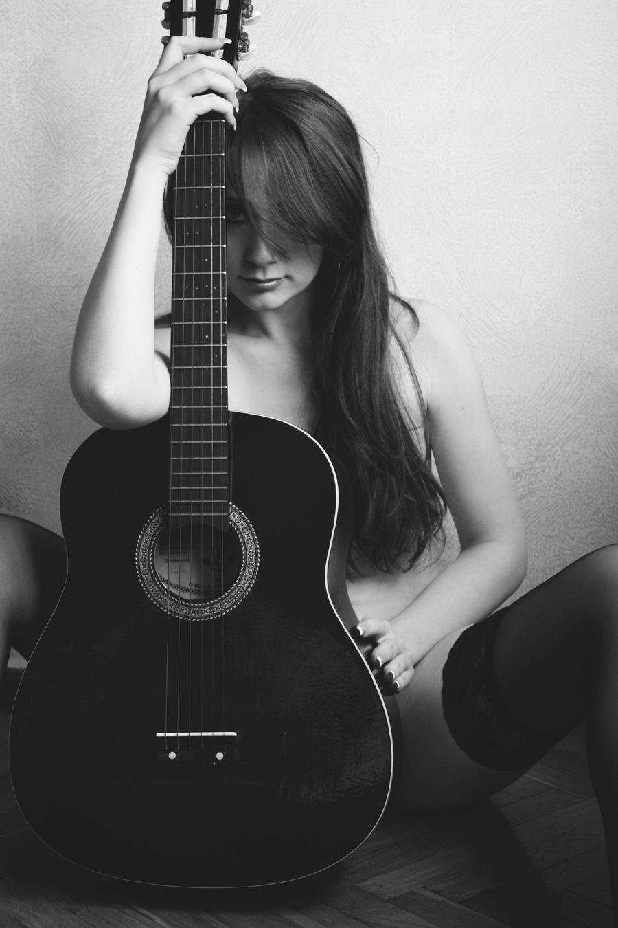Hot chick plays guitar naked 4