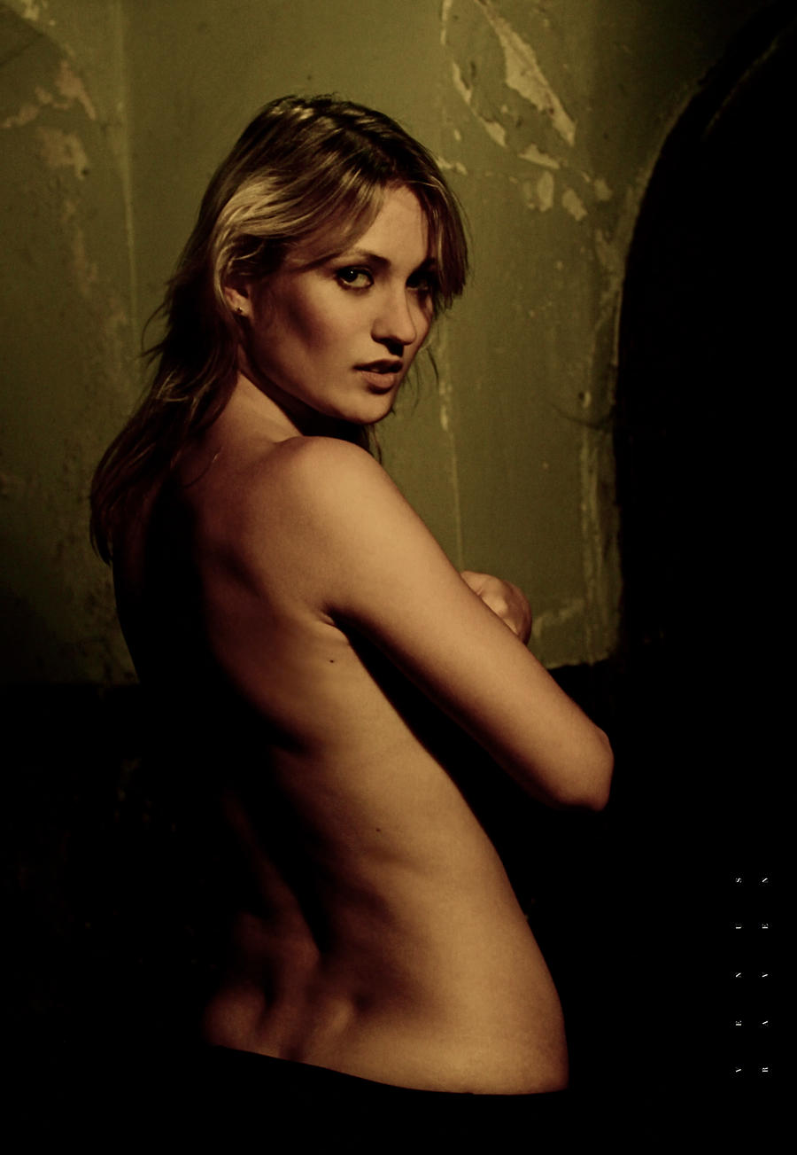 Nika by RaVeNuS9