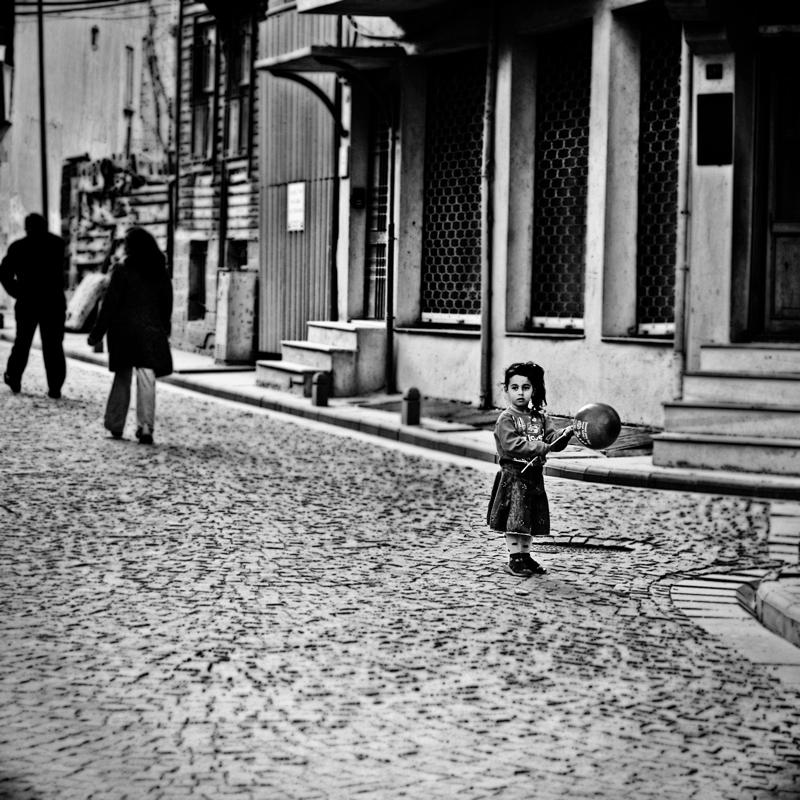 Istanbul Streets by emreinstein