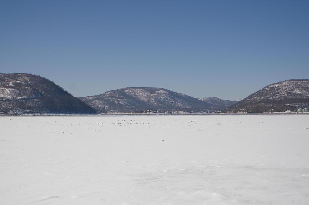 Hudson River - Winter by uglygosling