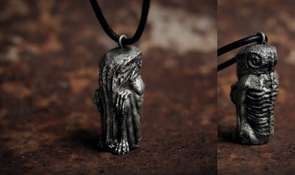 Cthulhu sculpture necklace by torvenius
