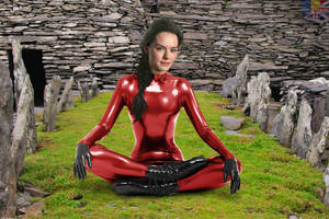 Daisy Ridley latex fake 10 v02 red by ElisabetaM