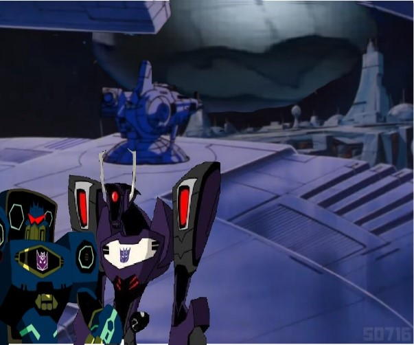 Laserbeak returns Megatron by du365