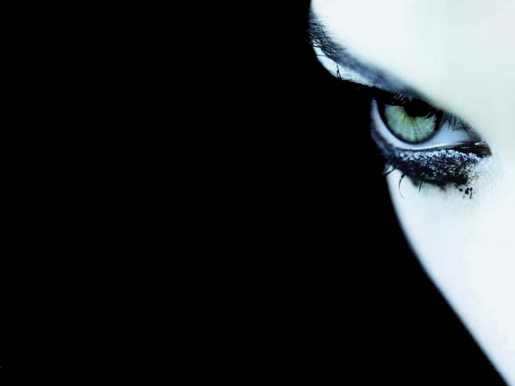 Dark Eye by sabyo