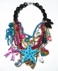 Glam Sugar Trash Crunch neckl by pinkminx