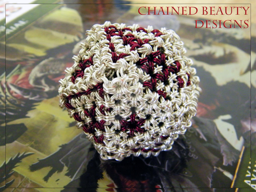 Chainmaille Dice - D20 by ChainedBeauty