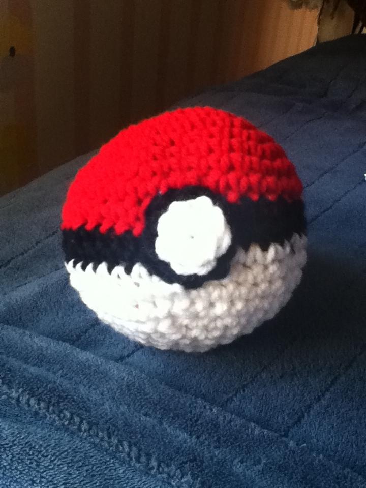 Crochet Pokeball By Heidi Space On Deviantart