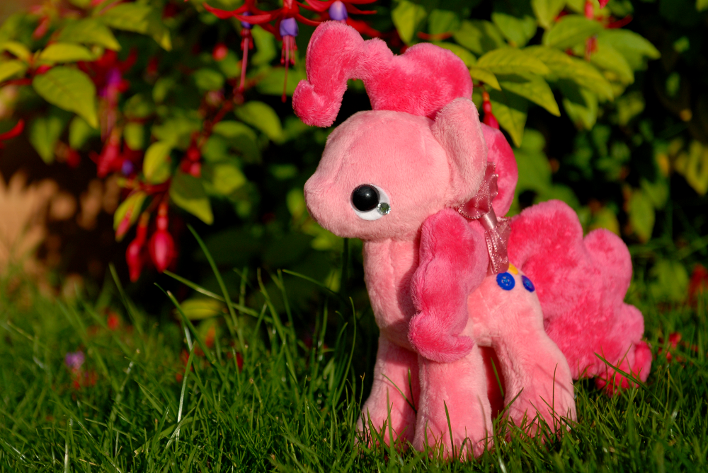 Pinkie Pie - Tea Party Pony - For Sale by tiny-tea-party