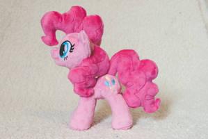 New Pinkie Pie! by tiny-tea-party
