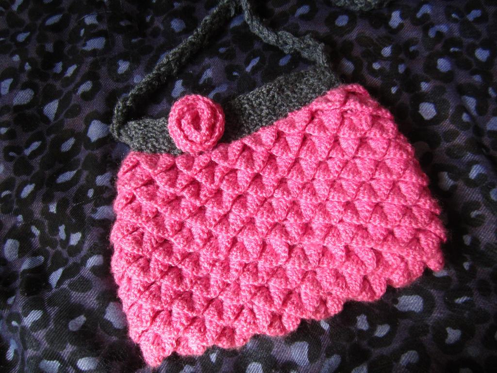 Free Crochet Pattern Crocodile Stitch Bag : Crocodile stitch crochet bag by Anitadoma on DeviantArt
