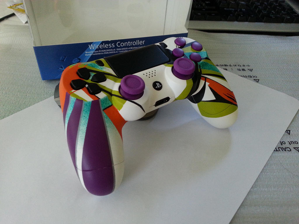 Custom PS4 Controller by JonnyMars