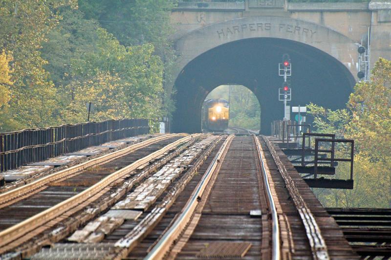 Through a Tunnel by jhg162