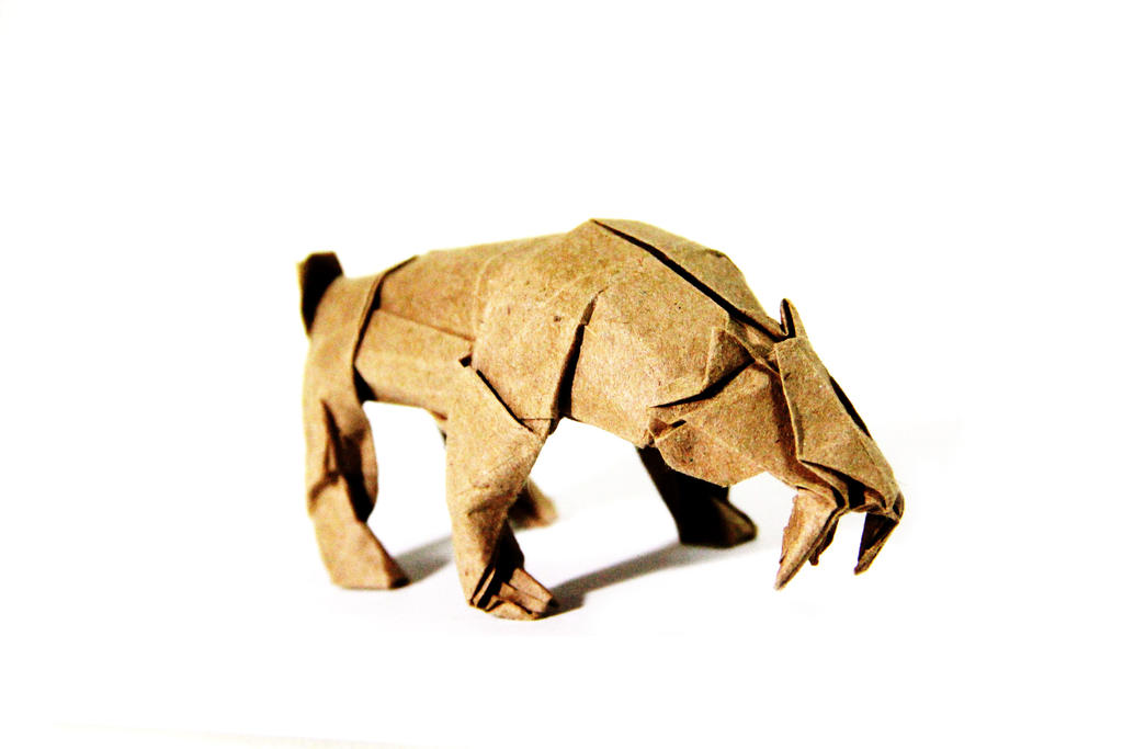 Origami Smilodon by KennyQuan