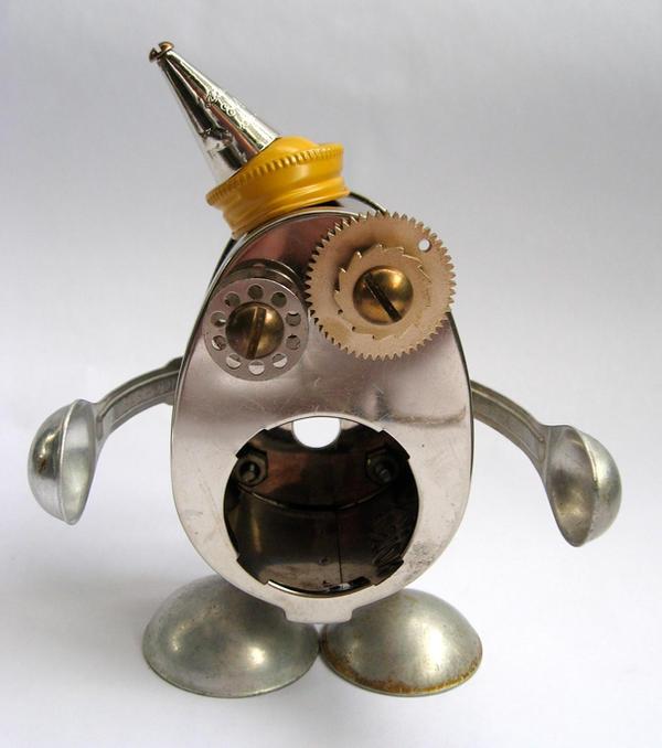 Steco - robot orphan sculpture by adoptabot