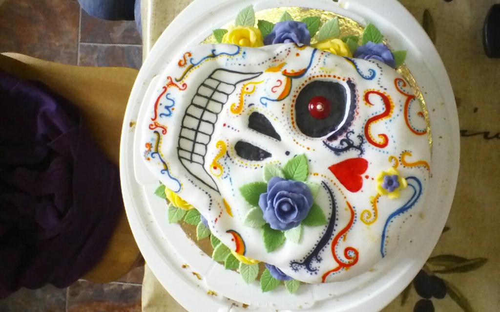 Skull Cake by Naru934chan