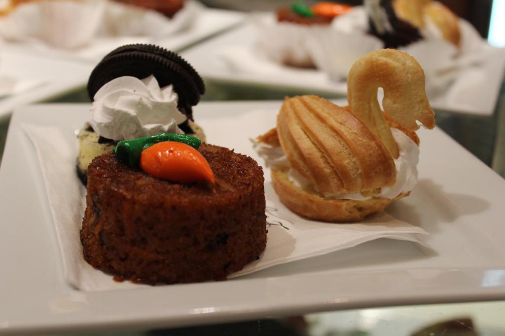 Carrot Cake Mit Swan by lilluvlyan9el