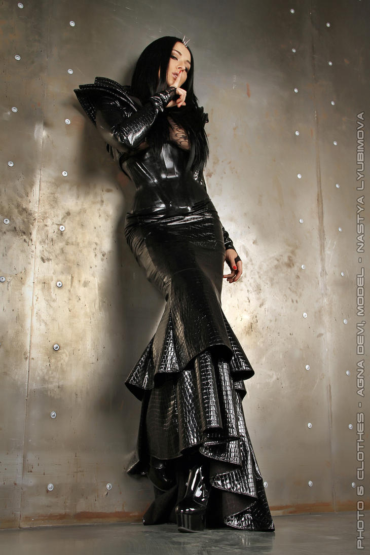 Queen...... by agnadeviphotographer