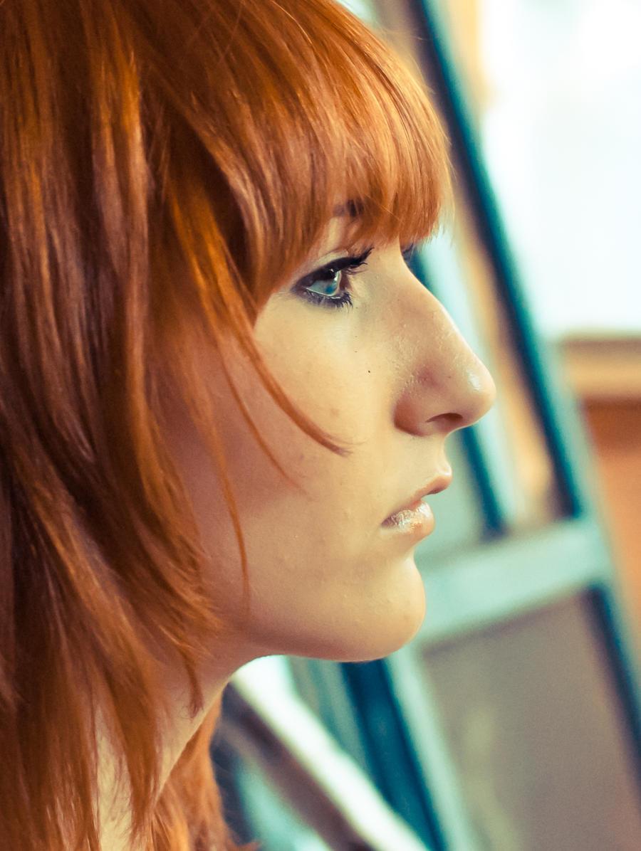 Прически для девушек с горбатым носом фото
