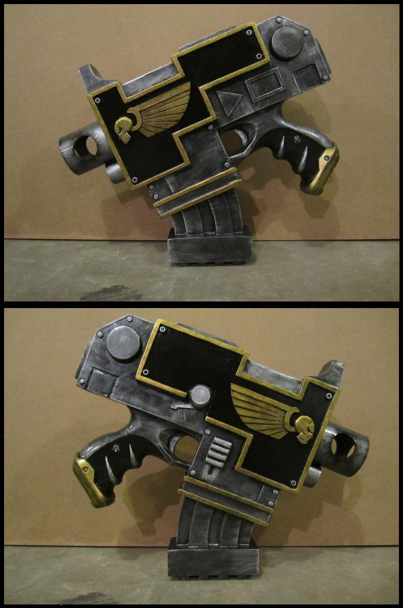 Astarte Bolt Pistol by Renquist-von-Reik