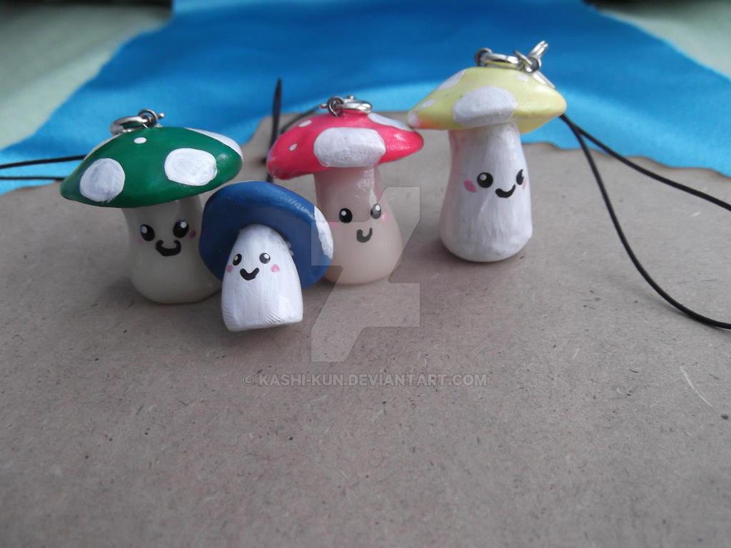 Mushroom charm family by Kashi-kun