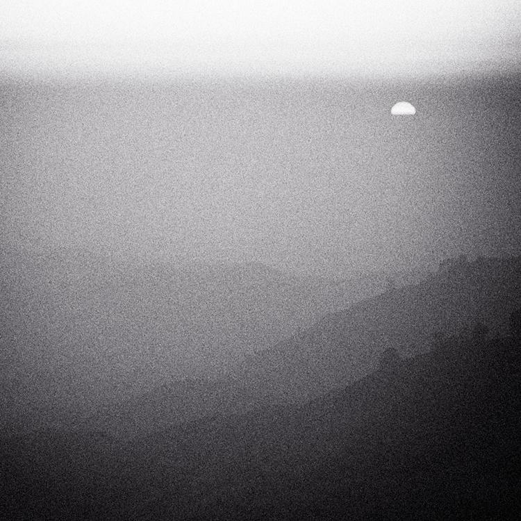 peeping sun by Hengki24