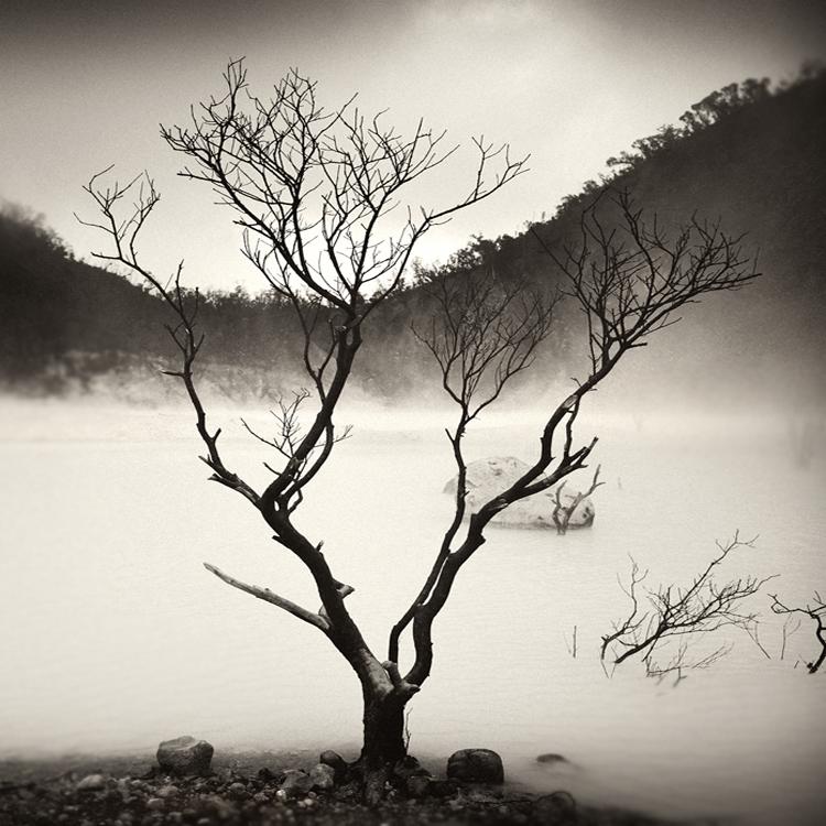 mist 173 by Hengki24