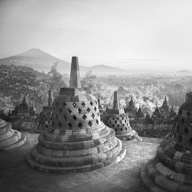 Dawning Borobudur by Hengki24