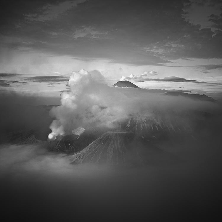 Bromo Mountain by Hengki24