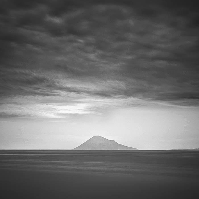 Manado Tua Island by Hengki24