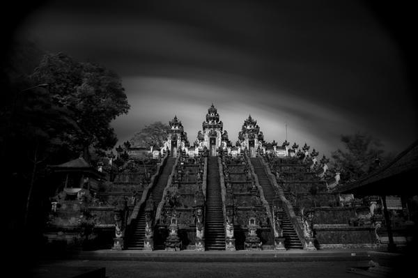 Lempuyang by Hengki24