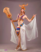 Hatchepsout from Civilization Online cosplay by NineetNora