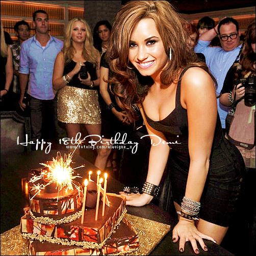 Happy Birthday Demi Lovato By Socleartomenow