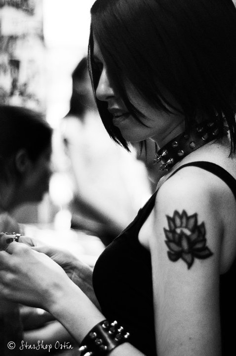 NANA: ...I need your love, I m a broken rose... by Princess-ValeChan