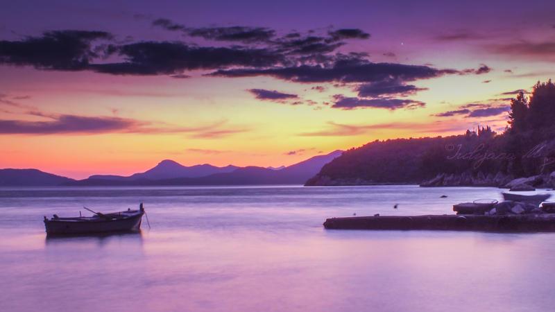 A Sunset by JulijanaM