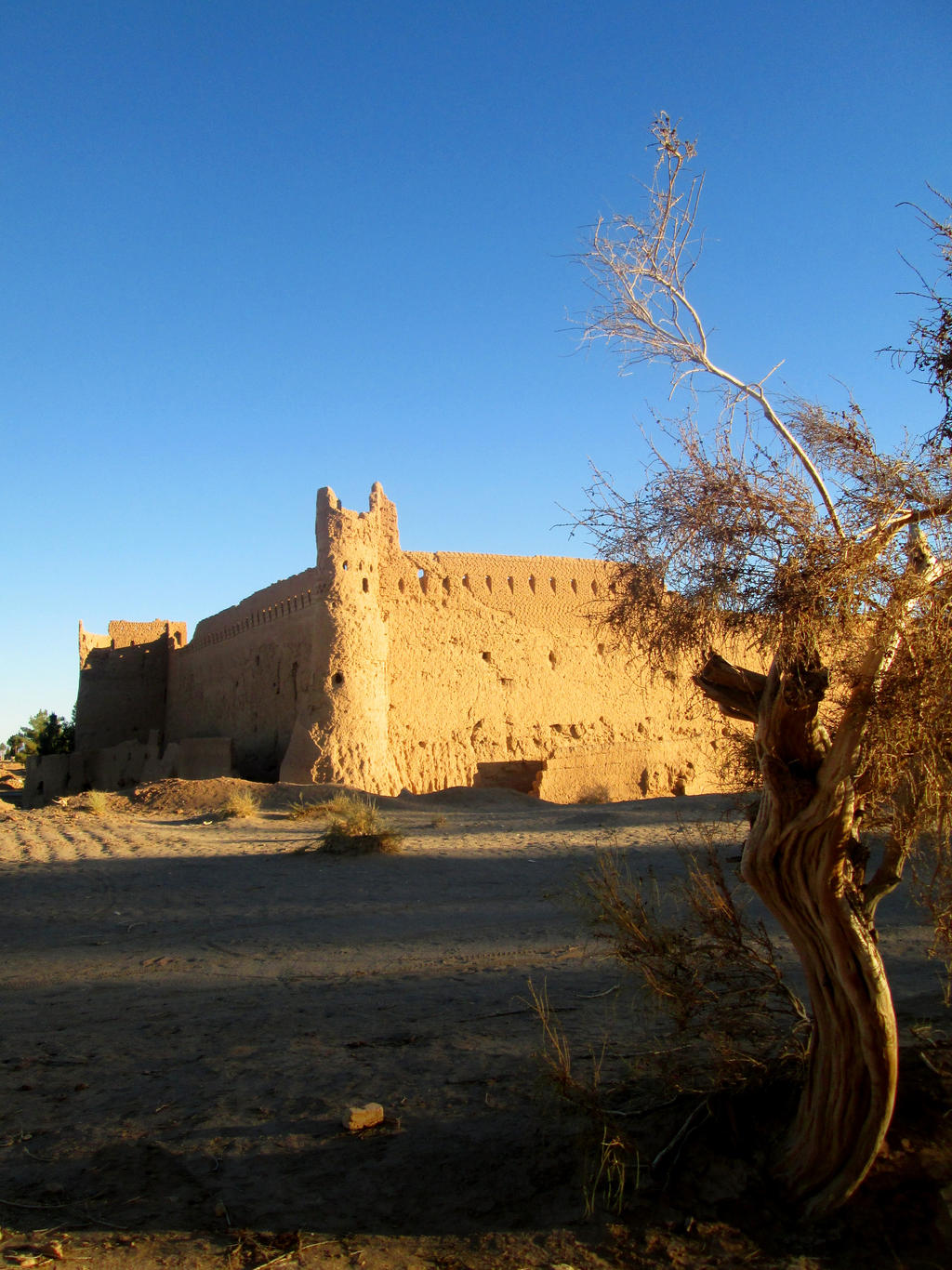 Khavidak Castle by zohreh1991