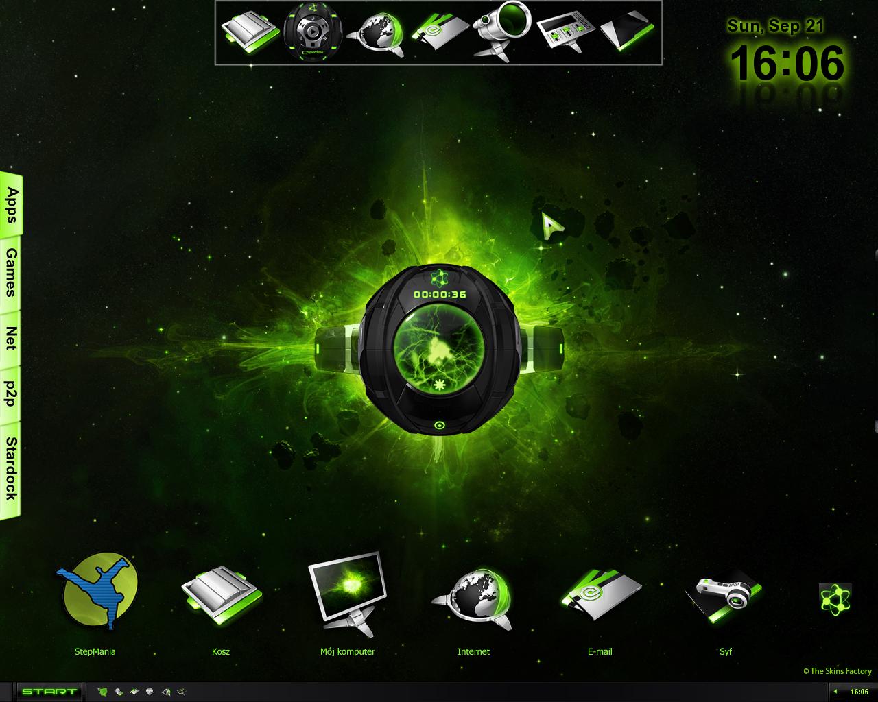 http://fc07.deviantart.net/fs36/f/2008/265/4/6/Desktop_Hyperdesk_Gamma_Ray_by_PiThr0.jpg