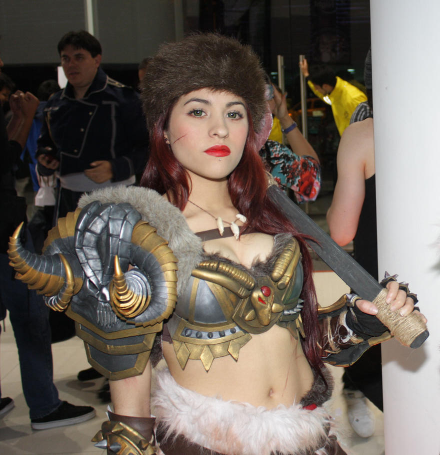 female barbarian by laurakyonlee