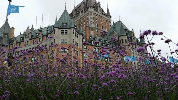 Hotel (in Quebec) by andersonbi