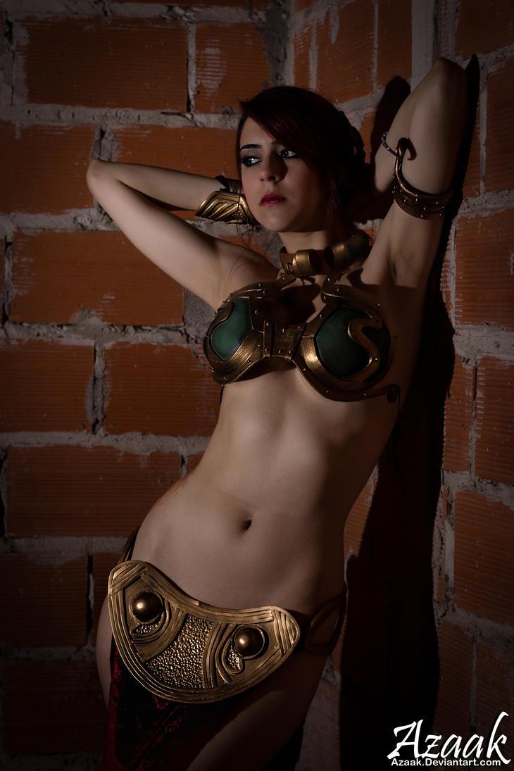 Leia Slave Nude 23