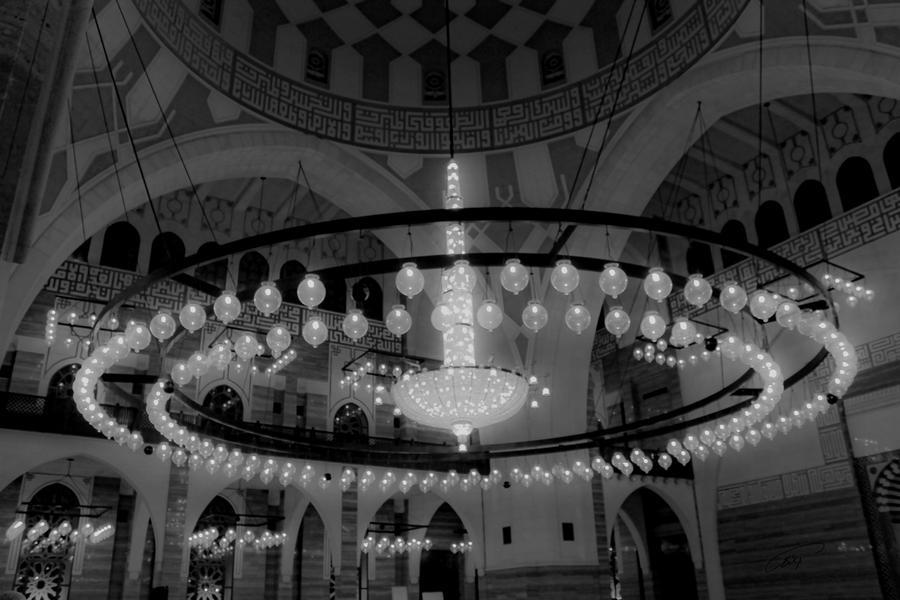 AL-Fateh Chandelier Bahrain by Khalid-AlThawadi