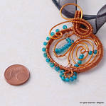 blue beads swirl pendant