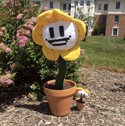 Giant Flowey Plush