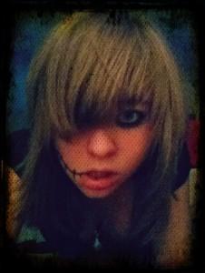 EmoLove-4ever's Profile Picture